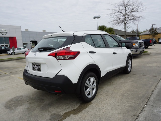 New 2019 Nissan Kicks S